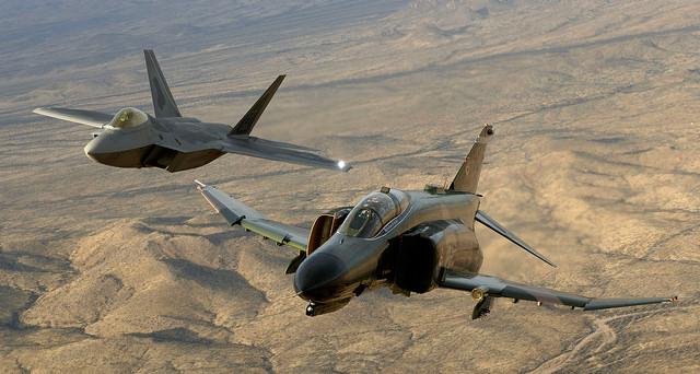 F22-and-F4-Jets-Flying-PC-Robert-Sullivan-Flickr